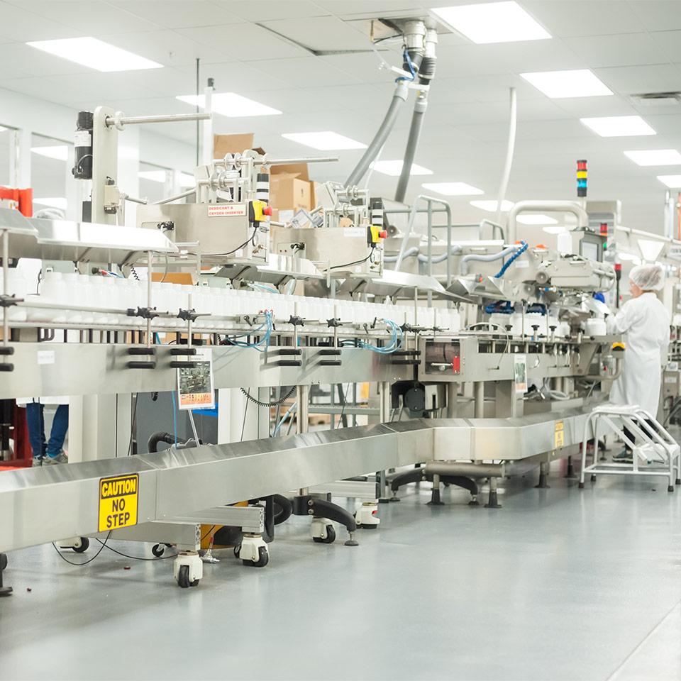 海外サプリメントも製造は先進的な工場で